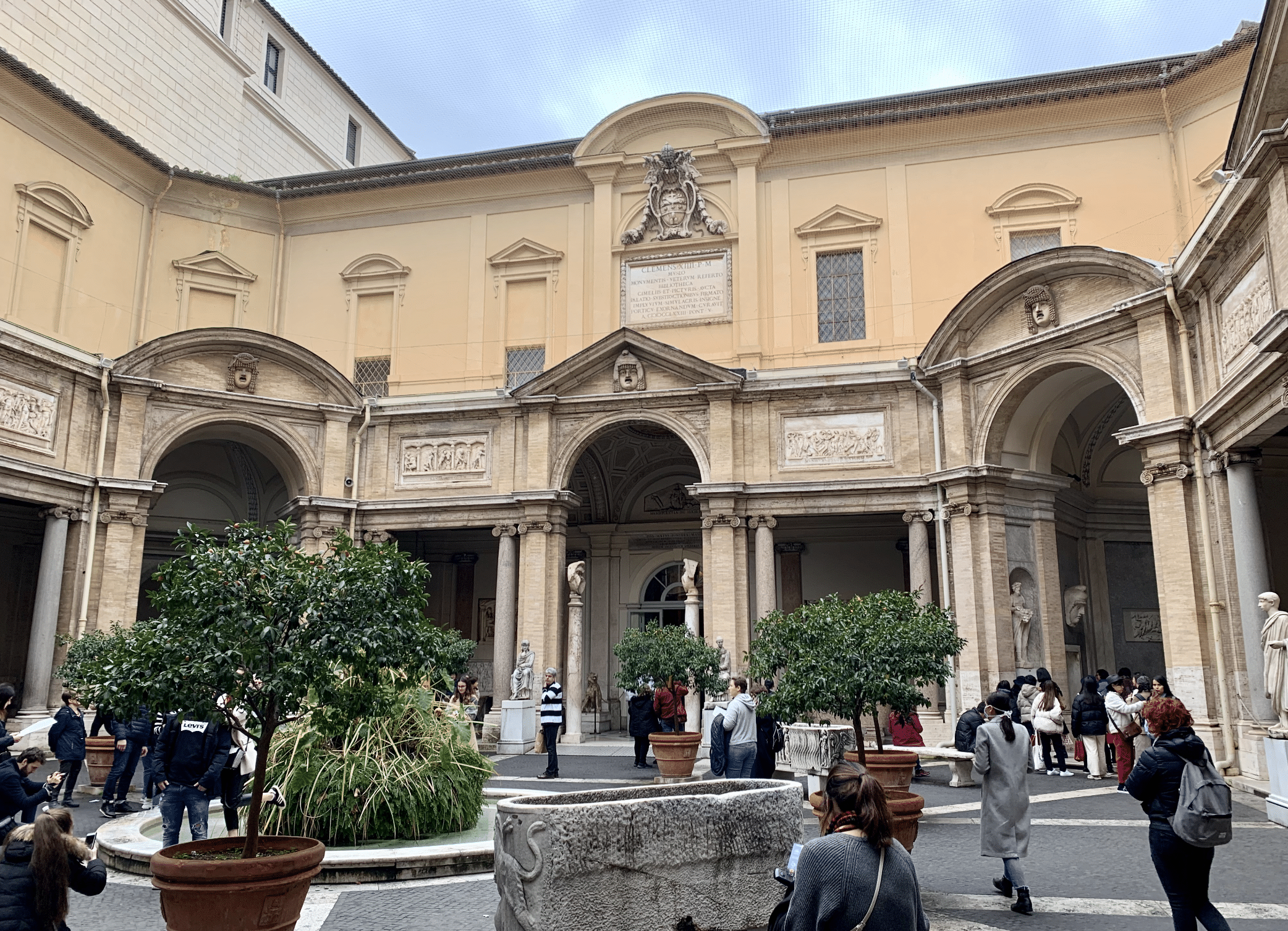 cour octogonale du musee pio clementino