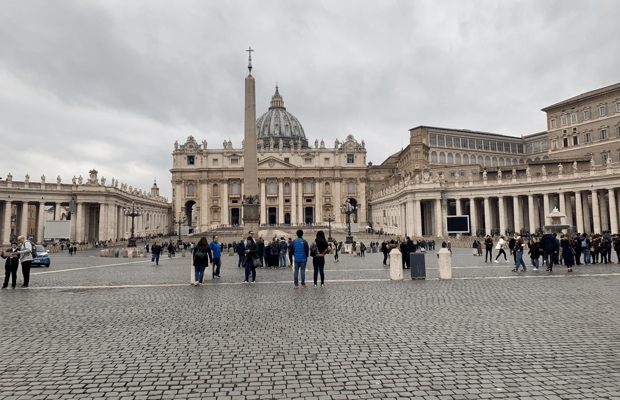 visite du vatican : la place saint pierre