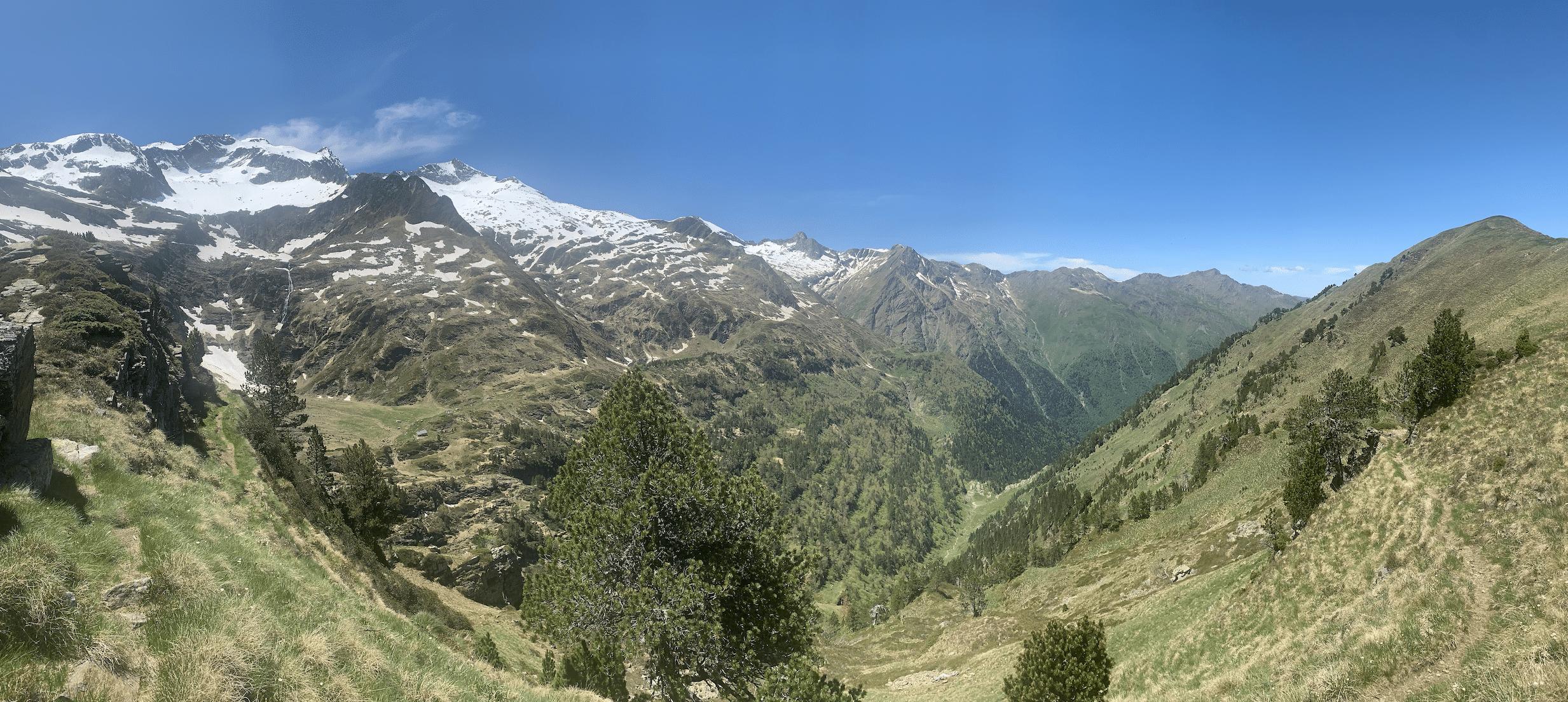 panorama randonnee dans les pyrenees