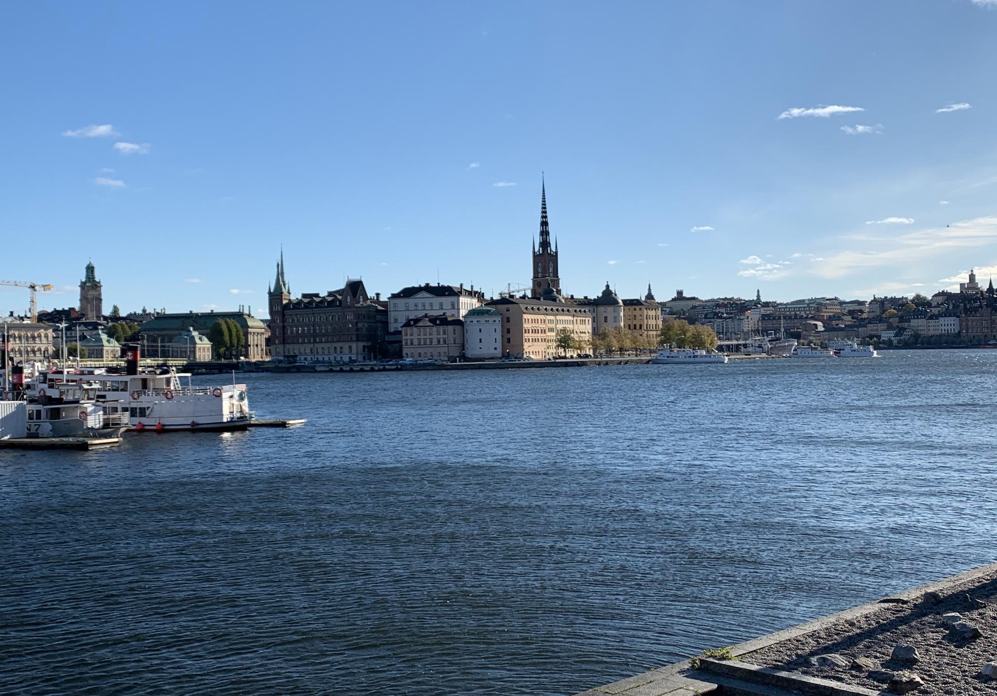 vue sur gamla stan depuis l'ile de kungsholmen