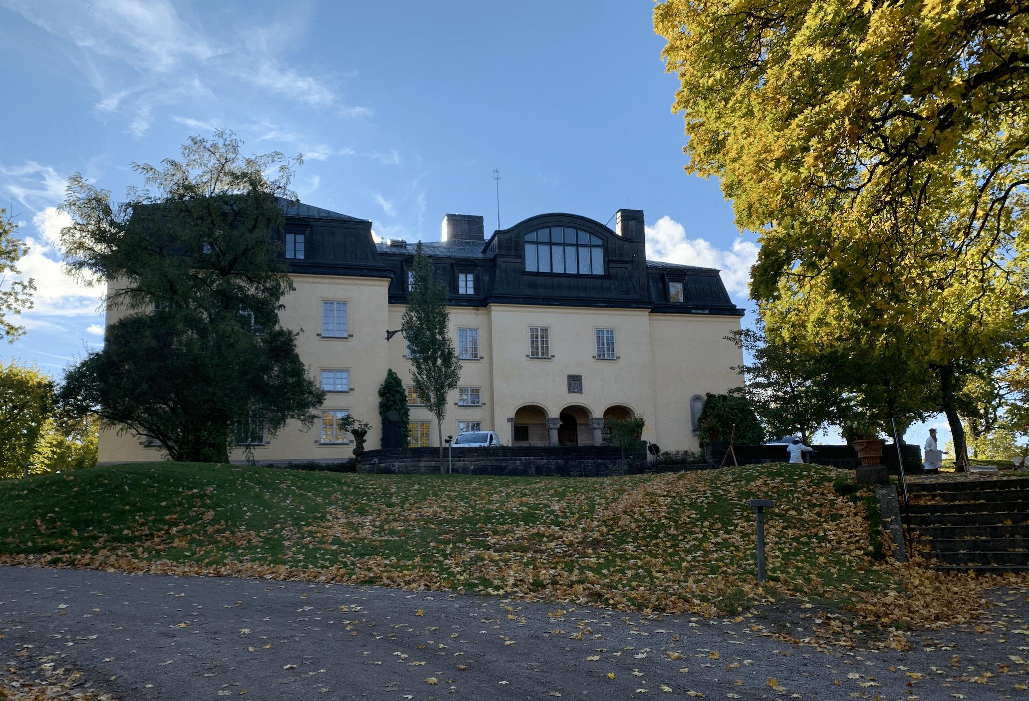 grande maison au coeur de la nature a djurgarden