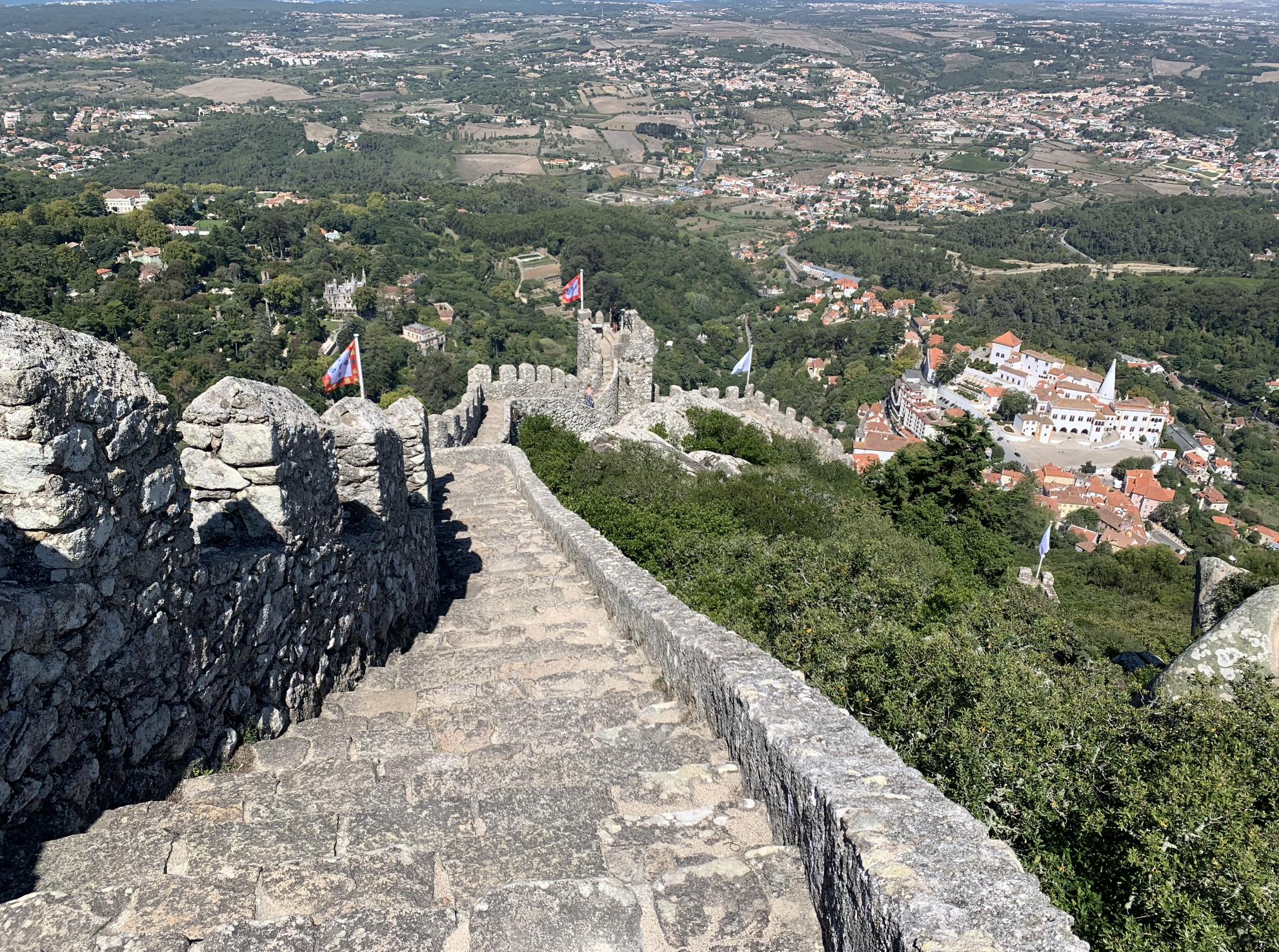 excursions depuis lisbonne : visiter le chateau des maures a sintra