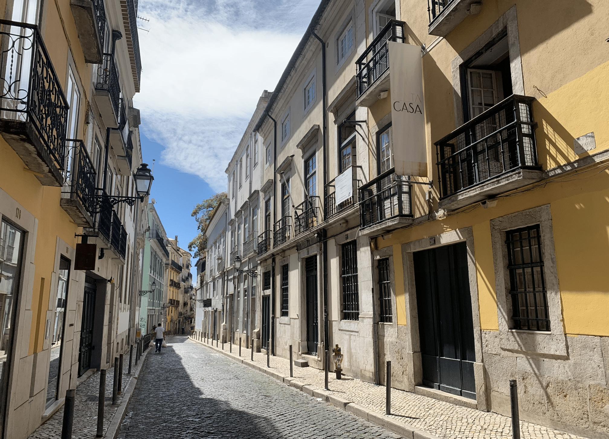 que faire a lisbonne : une promenade dans le bairro alto