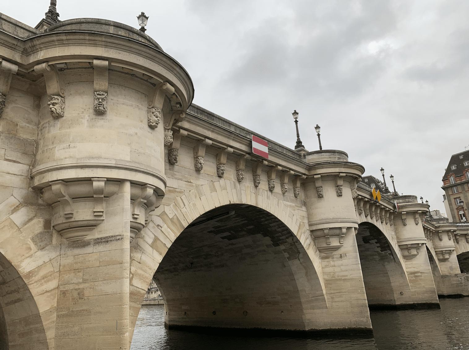 le pont neuf a paris