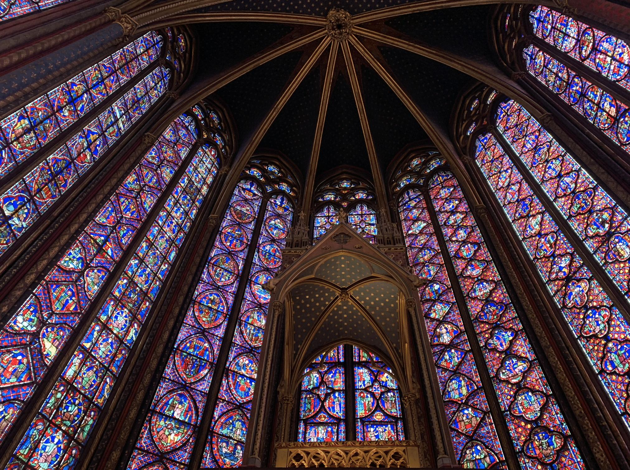 promenade sur l'île de la Cité : les vitraux de la sainte chapelle