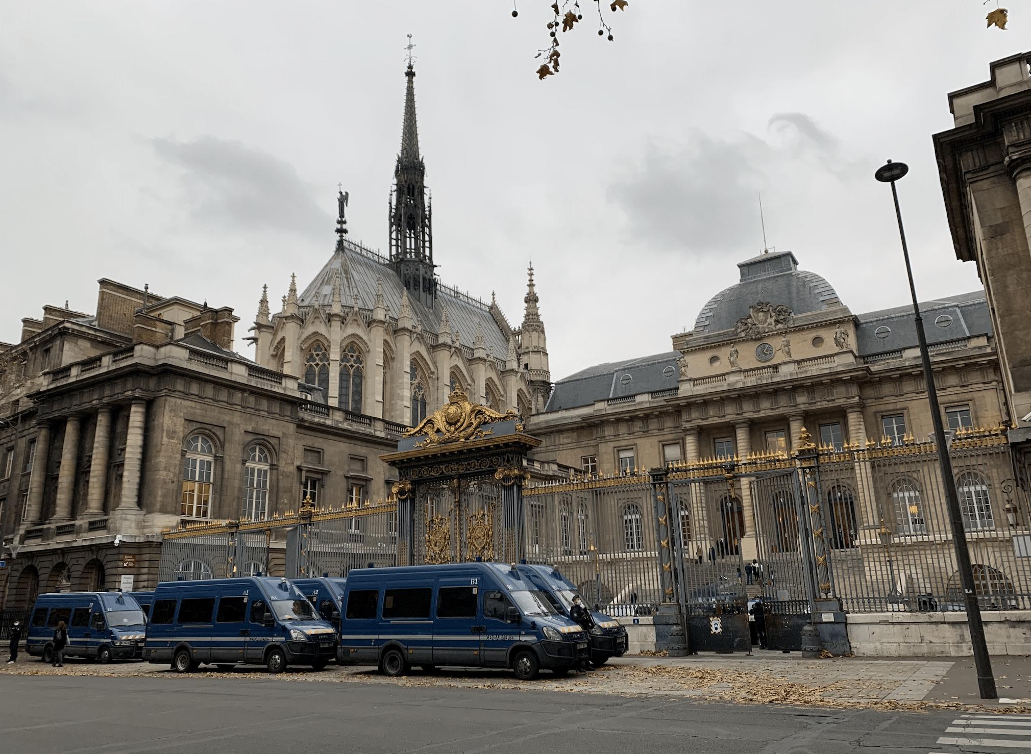 promenade sur l'île de la Cité : la sainte chapelle